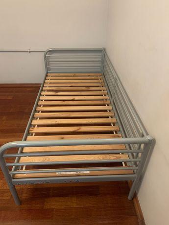 Rama łóżka metalowego Ikea