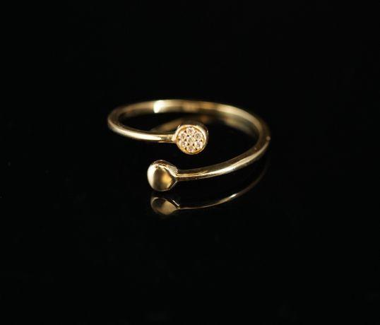 Złoto-585 złoty pierścionek CELEBRYTKA z cyrkoniami