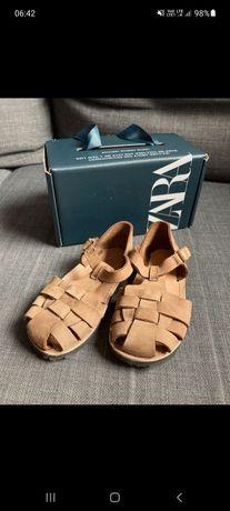 Prześliczne sandałki firmy Zara