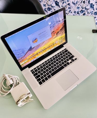 Macbook Pro 15 - Intel Core i7 (Quad-Core) SSD 128GB, 8GB RAM