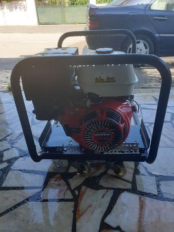 Gerador a gasolina com revisão feita carburador novo posso mostrar fac