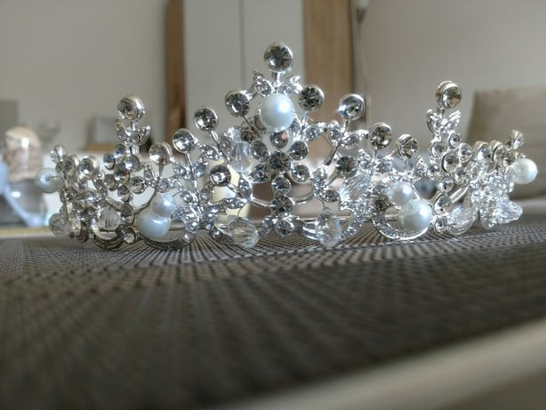 Tiara korona ślubna Panna Młoda Cyrkonie Perełki