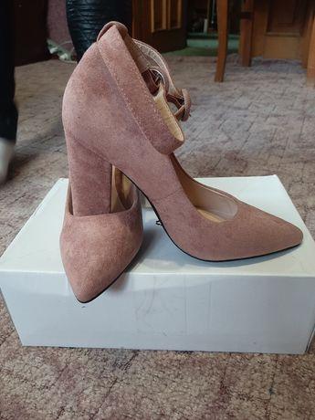 Туфлі жіночі продам