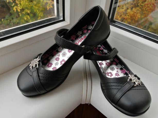 Новые туфли для девочки р.28, по ст. 18см