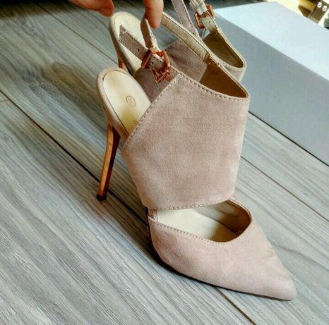 Бежевые замшевые туфли босоножки на высоком каблуке 39 размер
