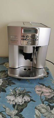 Ekspres do kawy DeLonghi ESAM 3500.S