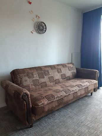 Продам диванчик 140 см