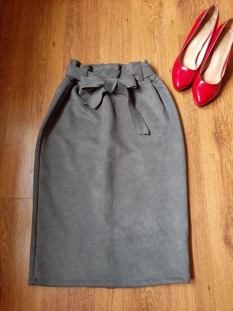 Ołówkowa zamszowa spódnica paperbag