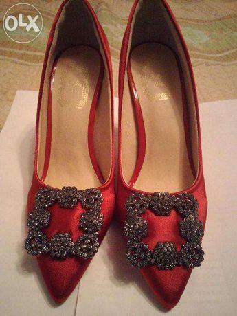 Продажа туфель, красные, атлас