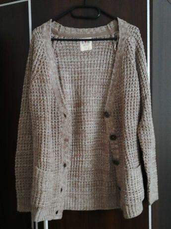 Sweterek brązowy marki Clockhouse