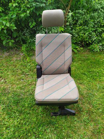 Fotel siedzenie koziołek pojedynka vw t4 transporter ładny