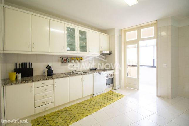 Apartamento T4- Vila Nova de Gaia, Pedroso e Seixezelo