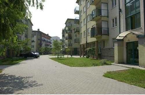 Mieszkanie  50m2,  Ciche osiedle/Plac zabaw + garaż  (bezpośrednio)
