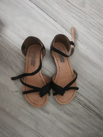 Sandały 33