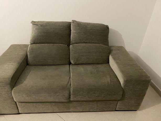 Sofá cinzento 2 lugares