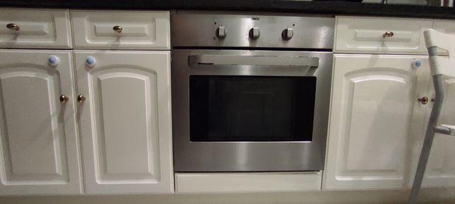 Vendo forno elétrico Zanussi usado,em ótimo estado