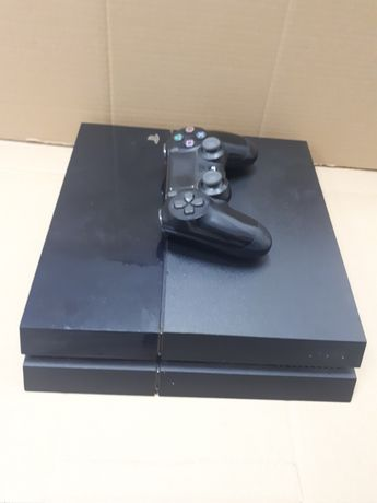 Ps4 fat 1000gb+pad+7 gier
