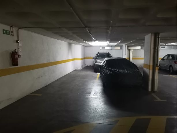 Lugar garagem x2 Quinta das Conchas