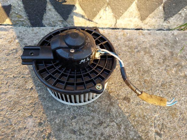 Моторчик печки Мазда 6 / Вентилятор пічки Mazda 6