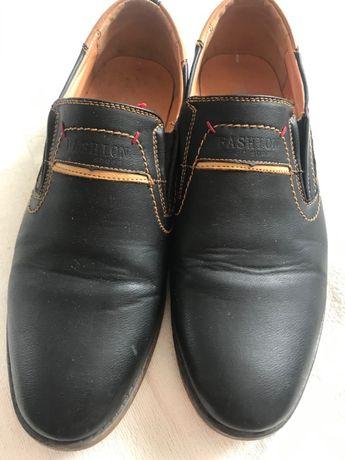 Чоловічі туфлі 41 розмір
