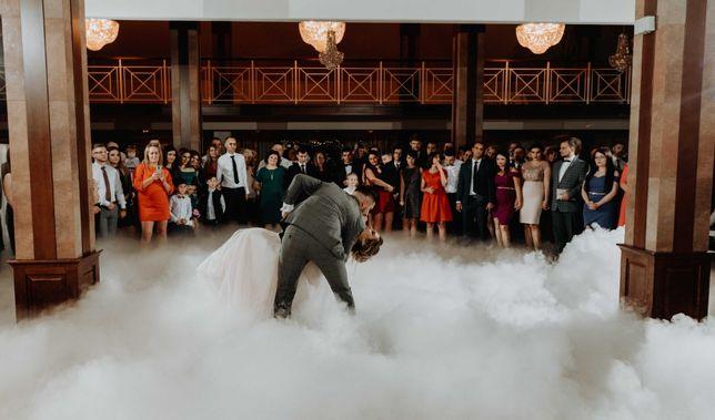 Ciężki dym, Fontanny iskier, iskry, taniec w chmurach, dym, napis LOVE