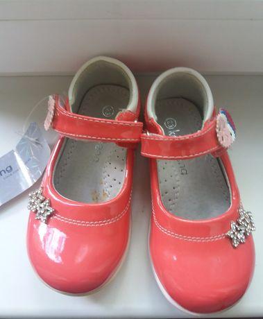 новые туфли р.23