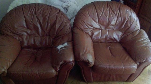 Dwa fotele skórzane używane do renowacji