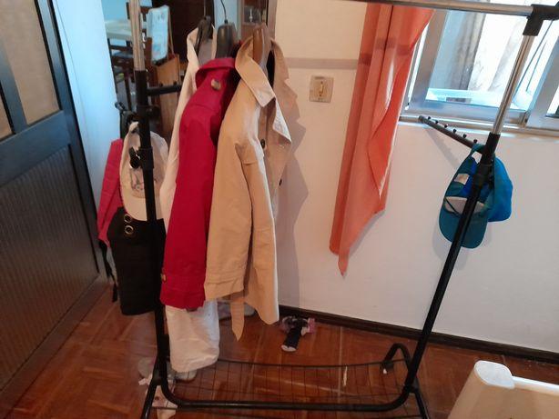 Expositor de roupa