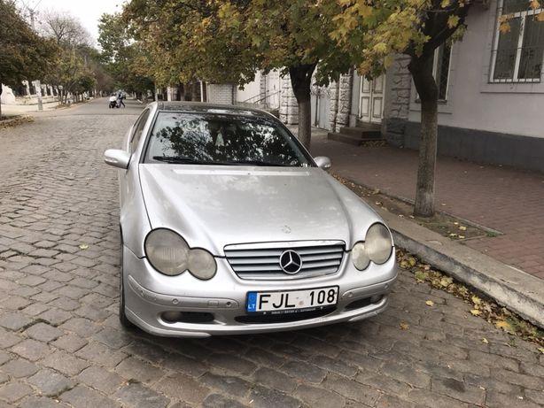 Mercedes-Bens C 220 cdi