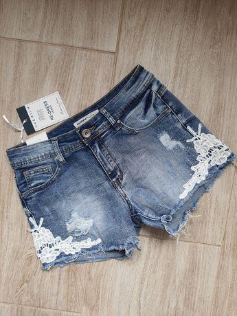 Spodenki jeansowe z koronką szorty z dziurami M