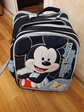 Школьный рюкзак,портфель