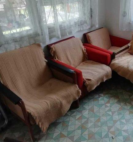 Fotele w starym stylu PRL
