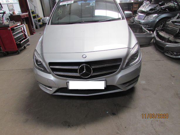 Mercedes B180 Blueefficiency de 2012 para peças