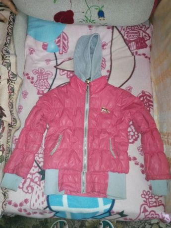 Куртка на девочку осень- весна