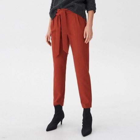 Rude spodnie z wiązaniem HOUSE
