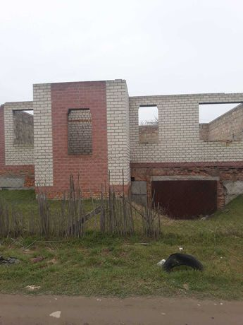 Участок с начатым строением в п. Куйбышево Херсон