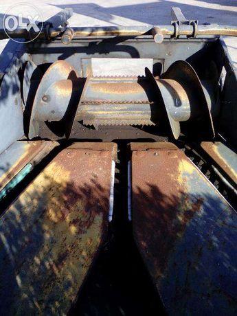 Frente de máquina de ensilar ( silar ) de 3 linhas