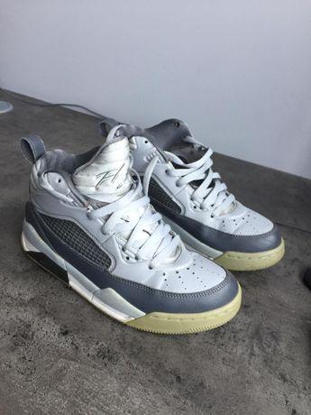 Кроссовки Jordan Retro