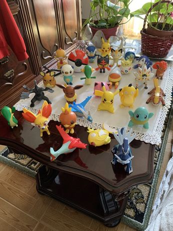 Varios Pokemons