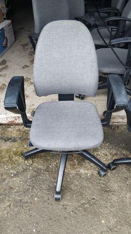 Krzesło fotel biurowe Kinnarps 16 sztuk