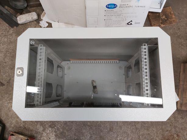 Rittal szafa serwerowa 7502.016 Patch panel