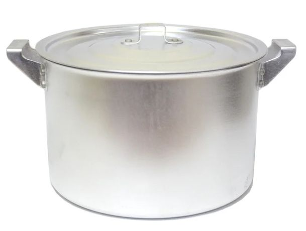 Каструля з алюмінію / Кастрюля алюминиевая/ баняк/ посуд