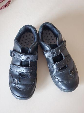 Туфельки на девочку для школы