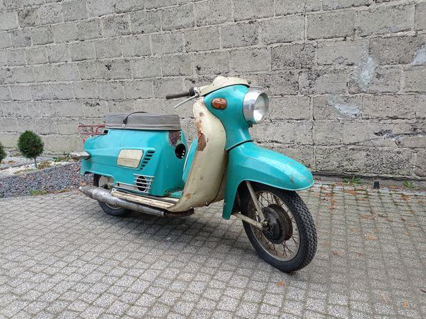 Tatran 125 skuter z Demoludu - Jawa
