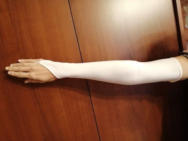 Długie rękawiczki ślubne - jak nowe