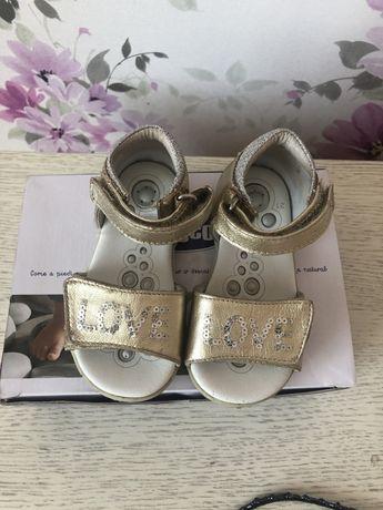 Босоножки сандали chicco для девочки ортопедичні