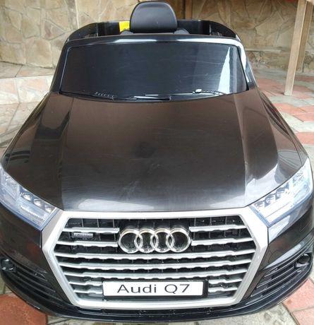 Продам дитячий електромобіль (детский электромобиль) Audi Q7