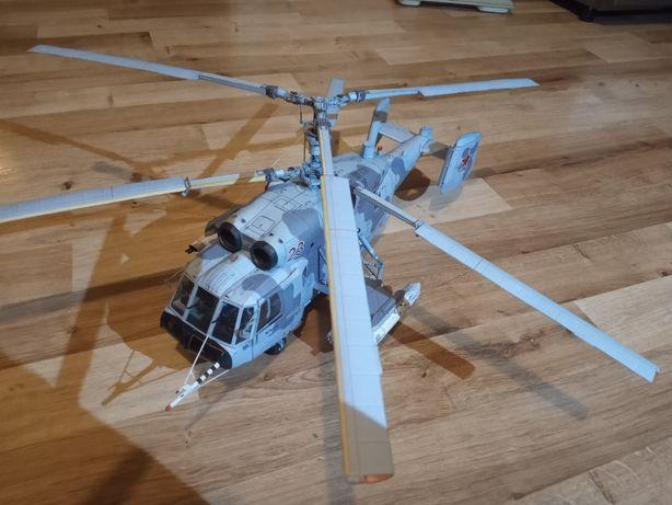 model kartonowy śmigłowca