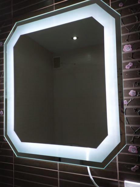 Нове дзеркало з підсвіткою 70*80см