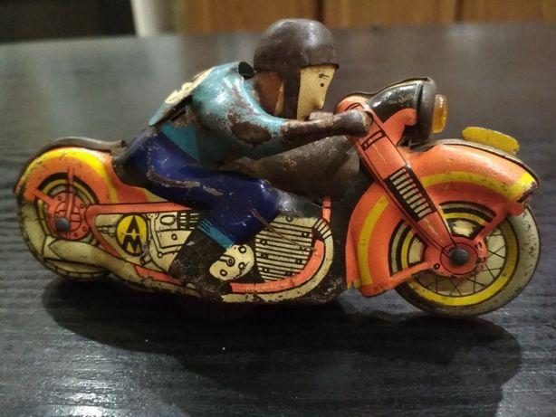 Раритет! Жестяная игрушка-мотоциклист. 60-е годы СССР!